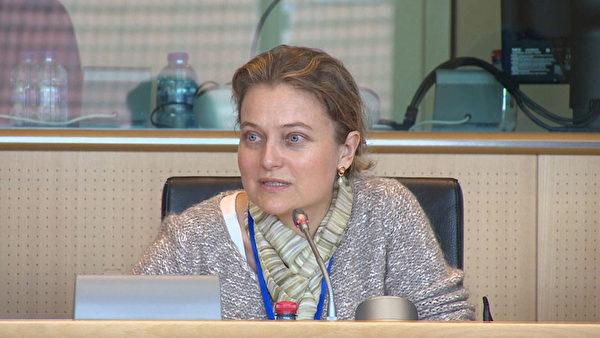 资深自由党欧洲议会议员米歇尔先生的办公室主任范登堡女士。(大纪元)