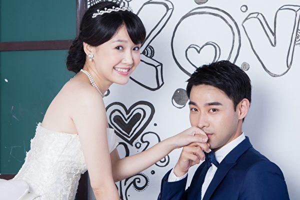 李佳豫與潘柏希拍婚紗照。(台視提供)