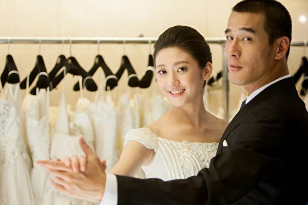 林逸欣與黃騰浩拍婚紗照。(台視提供)