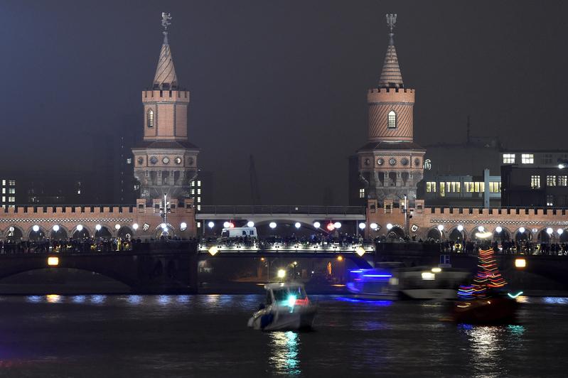 东欧剧变时共产党高层的选择(完整版)
