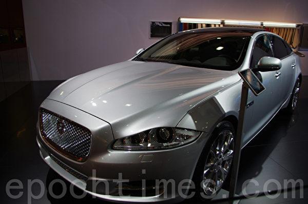 捷豹發佈的2012年新款Jaguar XJ。(方海冬/大紀元)
