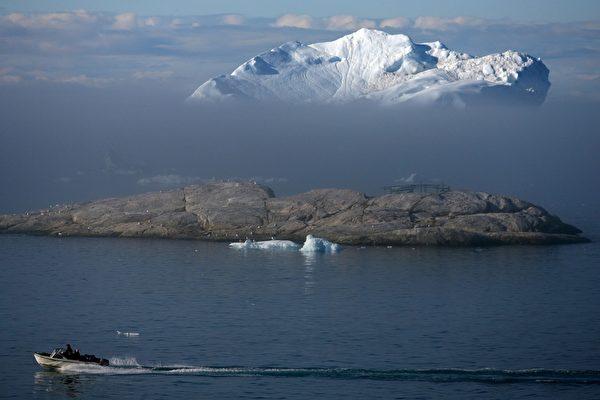格陵蘭伊盧利薩特冰灣漂浮冰山。(Uriel Sinai/Getty Images)