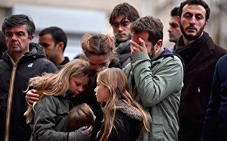 組圖:為巴黎點一根蠟燭悼遇難者 全球祈禱