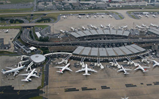 """法国警方18日上午在巴黎戴高乐机场搜索了二次。《法新社》报导,二次搜索与恐怖行动""""无直接关联"""",但与""""激进主义""""有关。图为戴高乐机场鸟瞰图。(作者Fyodor Borisov,来源 commons.wikimedia.org)"""