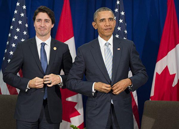 2015年11月19日,加拿大新科总理杜鲁道(Justin Trudeau)和美国总统奥巴马在亚太经济合作会议(APEC)非正式领袖会议期间,首次正式会面。(SAUL LOEB/AFP)