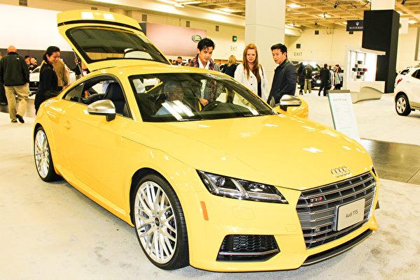 旧金山国际车展上的Audi TTS将TFSI发动机、燃油直喷技术以及涡轮增压技术完美地结合在一起。(王文旭/大纪元)