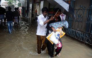 组图:印度百年最强降雨 数百万人受灾