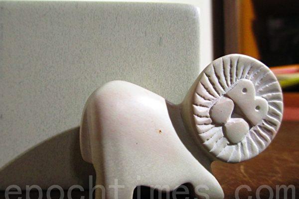 温柔肯亚皂石雕刻 天人的温馨良品