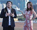 台灣歌手Matzka(左)邀請A-Lin合唱新歌《嗚哇嗚》,兩人昨(22)日一起拍攝MV。。(索尼音樂提供)