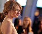 小歌后泰勒‧斯威夫特的波西米亞式髻髮,參見視頻2。(Christopher Polk/Getty Images for PCA)