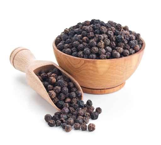 胡椒不僅是常用的調味料、可入藥,它還有補腎、美膚和瘦身等功效。(fotolia)