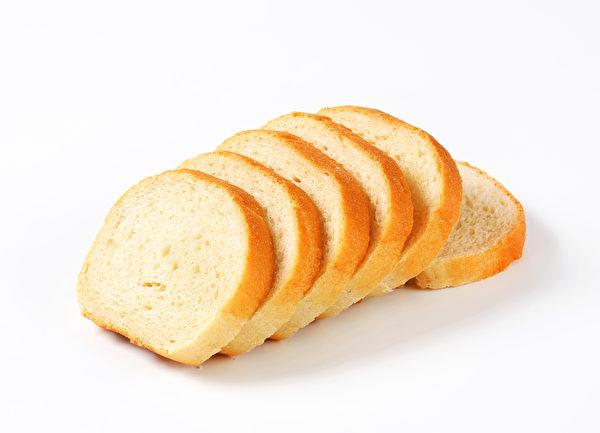 市面販售的白麵包,一片可能就含有240毫克的鈉。 (fotolia)(fotolia)