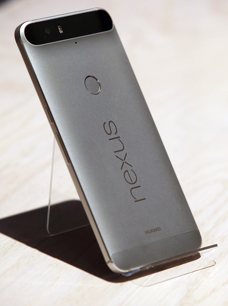 谷歌的Nexus 6P。(Justin Sullivan/Getty Images)