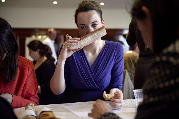 聞起來沒有問題,不意味著吃起來也沒問題。(MARTIN BUREAU/AFP/Getty Images)