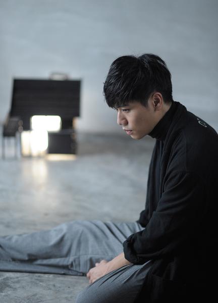 蔡旻佑新歌《不如》MV影像。(一起娱乐提供)