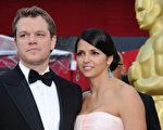 好莱坞电影人马特‧达蒙与妻子出席活动资料照。(Jason Merritt/Getty Images)