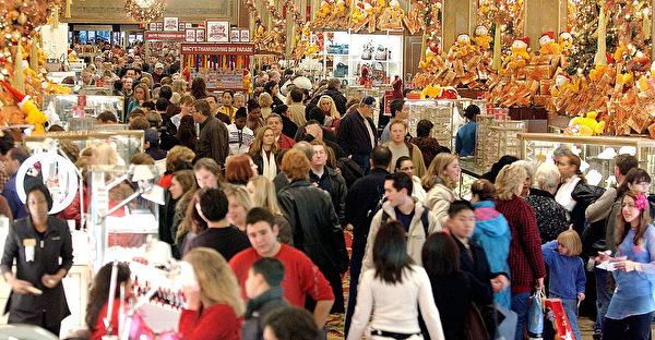 纽约的节日季购物人潮。(Chernin/Getty Images)