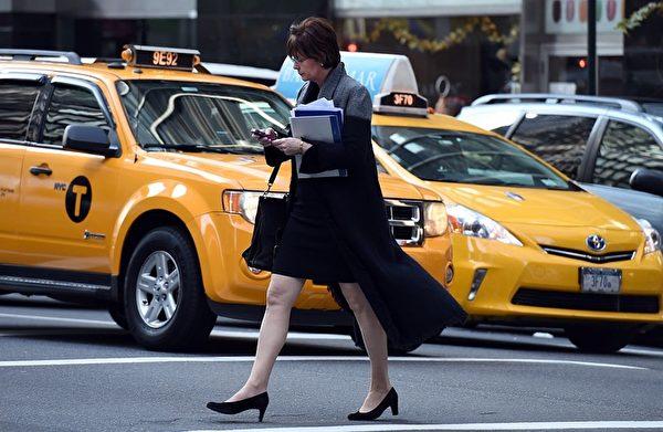 纽约的出租车随处可见,但却不是出行的最佳选择。(DON EMMERT/AFP/Getty Images)