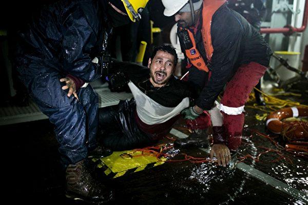 希腊外海一日三船难 44难民亡