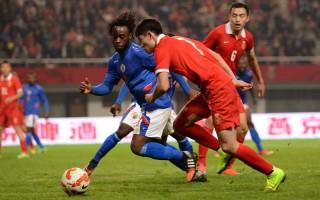 中国国家足球队拟收外籍球员 网上沸腾