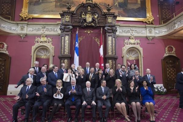 魁北克省长重组内阁