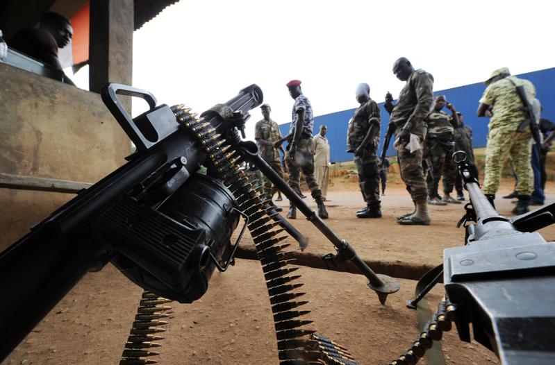 斯德哥爾摩國際和平研究所對2011-2015年全球軍火貿易的研究發現,北京的武器出口在五年內幾乎翻番,出口對像主要是印度的鄰國,包括巴基斯坦、孟加拉和緬甸。(SIA KAMBOU/AFP)