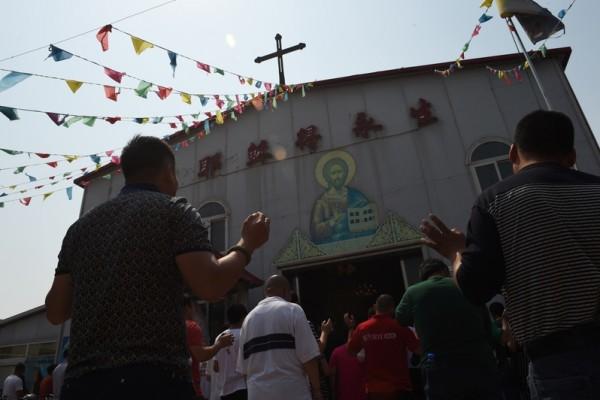陆官方教会牧师批评中共拆十字架后被调查