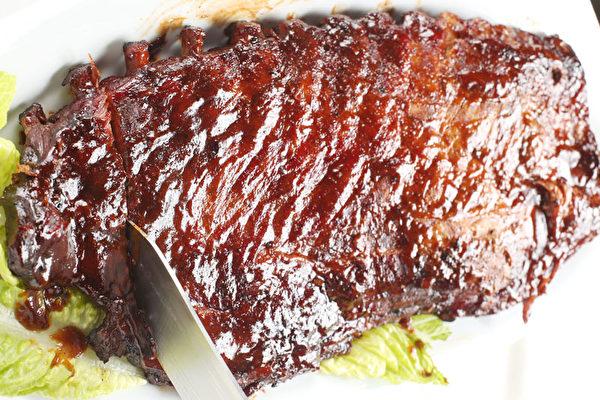 獨家橡木燻肉。(大紀元圖片)