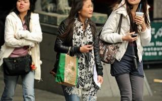 中国人过年出境花销比往年大为减少