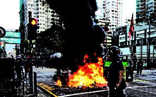 视频:香港旺角冲突 警搜捕示威者