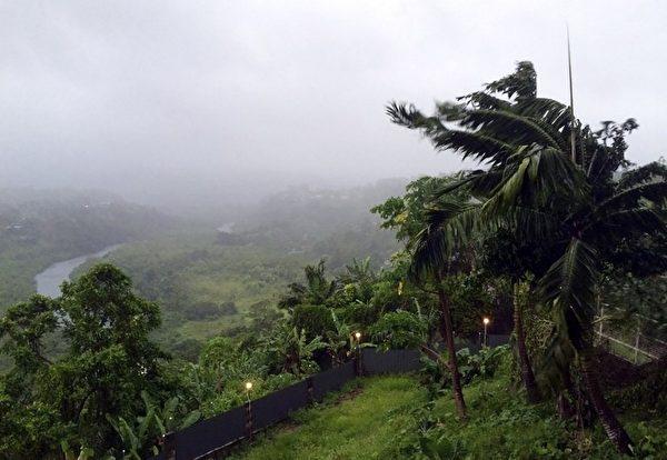 5级的超级风暴2月20日晚横扫斐济。(UNICEF PACIFIC/AFP)