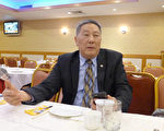 伍锐贤担任两年的纽约中华公所主席一职即将届满,24日在喜运来餐馆畅谈任内感受。(蔡溶/大纪元)