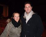五星級豪華酒店總經理的Laurent Branover先生和太太觀賞了2月26日晚在日內瓦BFM劇院的神韻晚會。(張妮/大紀元 )