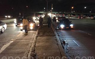 紐約高速路坑咬車輪 多車爆胎