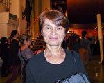 2月27日晚,Carmen Juenin第一次在瑞士日內BFM劇院看神韻。(亦凡/大紀元)