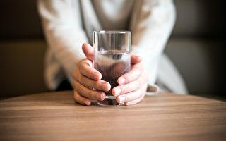 30天只喝水不喝饮料,你的身体会发生什么变化?