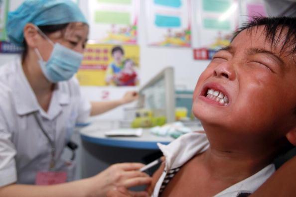 美媒:中国人质疑国产疫苗 接种速度不如预期