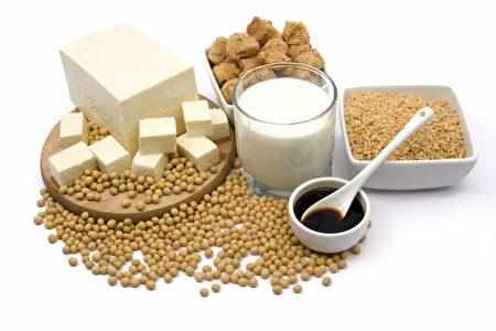 各类豆制品一直享有健康食品的声誉,但近年也因诸多健康风险受到广泛质疑。(Fotolia)