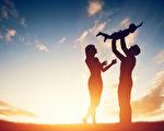 """夫妻之间多存感激之意,""""恩""""是基石,""""爱""""中也就有了理性,于是夫妻白头谐老。(fotolia)"""