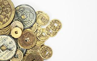 陸女載275萬元硬幣存銀行  重達數噸