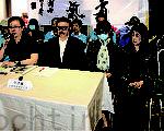 「正義聯盟黨」昨日召開記者會,譴責黨主席李偲嫣(小圖)涉虧空約百萬款項及欠債不還,指上周已向警方報案,並開除其黨籍。(潘在殊/大紀元、getty image)
