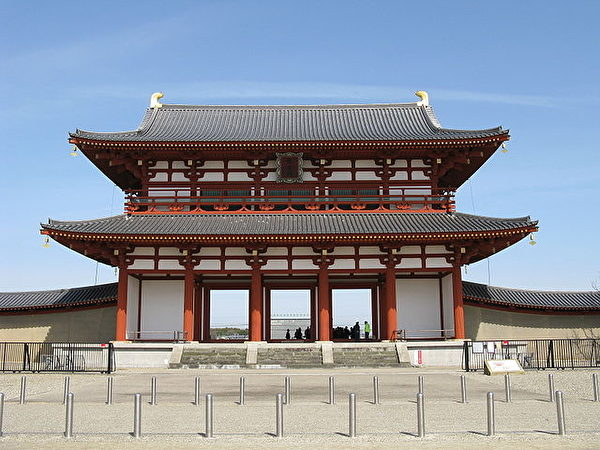 日本奈良時代的都城——平城京的朱雀門(公共領域)