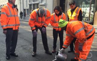 市長秀「補坑」 交通局兩年修復百萬路坑