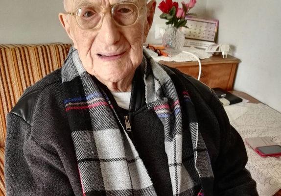 纳粹大屠杀幸存 以国阿公世界最长寿男