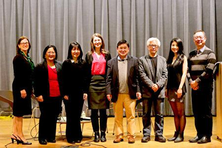 3月14日,在皇后圖書館和美國華人博物館舉辦的記錄華人移民故事的訪談項目—— 「鮮活的記憶:紐約華人的文化與傳統」中,張宏圖(右三)、顧雅明(右四)、柯基林(右一)、Jiayang Fan(右二)講述自己的移民經歷與對在美國保持中國文化、傳統的認知。(靜怡/大紀元)