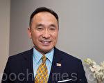 參選硅谷17區美國聯邦眾議員的郭宗政在硅谷選舉辦公室。(馬有志/大紀元)