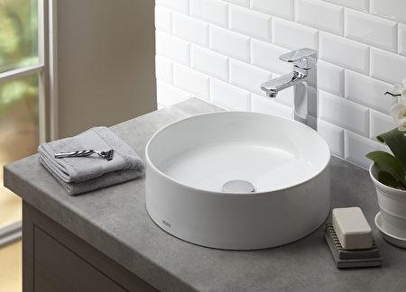 雅緻的浴室洗手盆,簡潔有型。(TOTO提供)