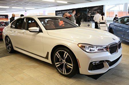 BMW 750i——2016 欧洲年度风云车第七名(任侨生/大纪元)