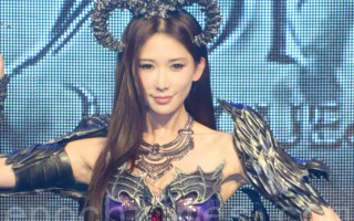 林志玲于2016年3月24日在台北代言游戏。(黄宗茂/大纪元)