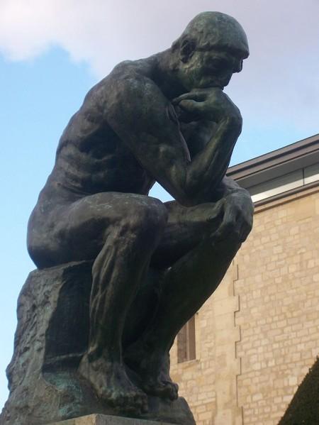 沉思者的原始塑像,位于巴黎的罗丹美术馆。(公共领域)